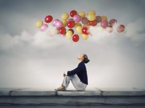 Любовь к невесомым, летающим шарикам заложена ещё в детстве