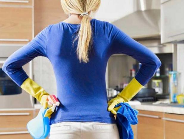 Устраняем запах из холодильника