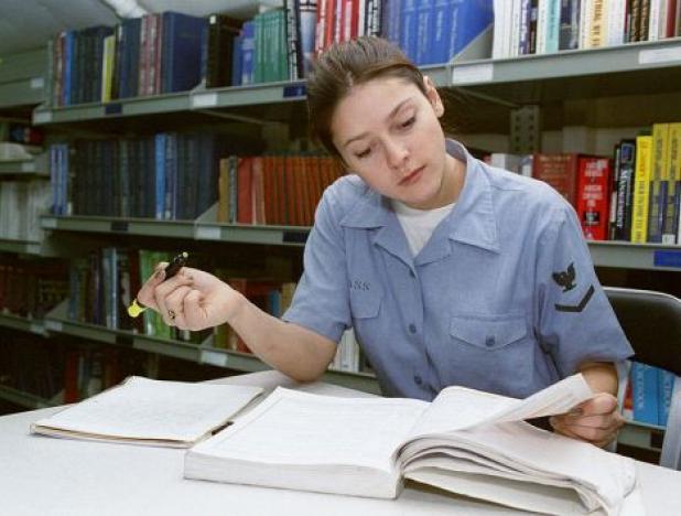 У студента очень много забот, и это известно всем, хотя некоторые до сих пор считают жизнь учащихся легкой и беззаботной