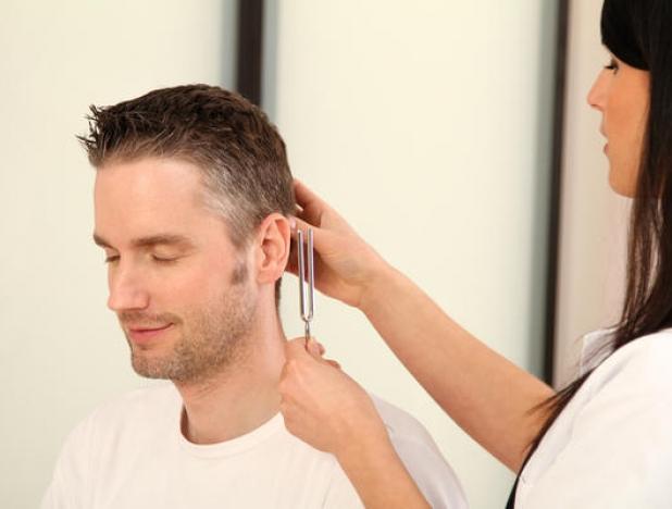 Определить состояние слуха можно путем прохождения ЛОР-осмотра